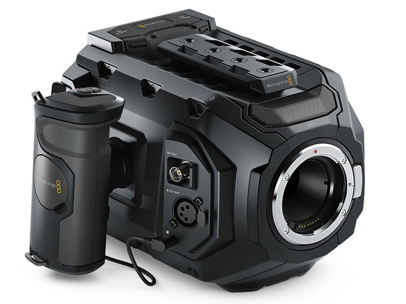 Blackmagic URSA Mini 4.6K EF (Bundle)